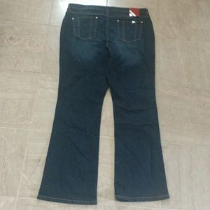 Jennifer Lopez Jeans - J LO Boot Cut Jeans NEW